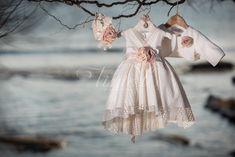Φόρεμα βάπτισης Vinte Li 2801 με ασορτί κορδέλα., annassecret, Girls Dresses, Flower Girl Dresses, Victorian, Wedding Dresses, Flowers, Fashion, Dresses Of Girls, Bride Dresses, Moda