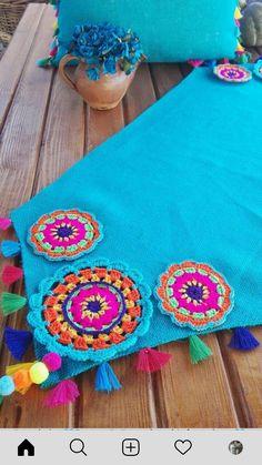 Food: Veggie tables - Her Crochet Crochet Fabric, Crochet Cushions, Crochet Mandala, Crochet Home, Crochet Motif, Crochet Crafts, Crochet Doilies, Yarn Crafts, Fabric Crafts