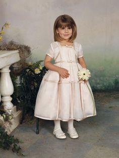 Casual ball gown organza short sleeve flower girl dress,monique lhuillier wedding dresses,monique lhuillier wedding dresses,monique lhuillier wedding dresses