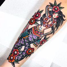 Tattooed Mermaid by Dani Queipo Girl Back Tattoos, Pin Up Tattoos, Cover Up Tattoos, Body Tattoos, Cute Tattoos, Beautiful Tattoos, Sleeve Tattoos, Traditional Nautical Tattoo, Traditional Mermaid Tattoos