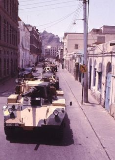 Aden, pictures of vehicles in service. British Armed Forces, Military Armor, War Photography, Royal Air Force, Armored Vehicles, British Army, Military History, Troops, Military Vehicles