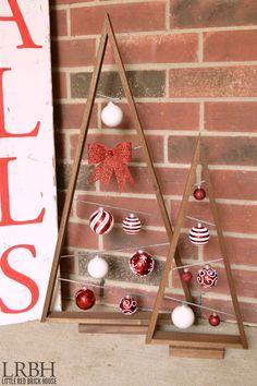 Árbol de navidad con triángulo de madera, ingenioso. #DecoracionNavidad