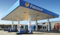 La CNMC subordina la adquisición de Petrocat por Repsol a la venta de 23 gasolineras.