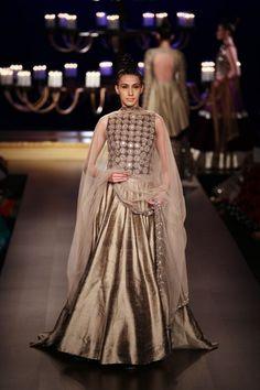 Manish Malhotra at India Couture Week 2014 - mirror work copper lehnga India Fashion, Ethnic Fashion, Look Fashion, Asian Fashion, Fashion Tips, Indian Look, Indian Ethnic Wear, Indian India, Indian Bridal Wear