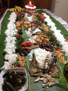 Boodle fight....