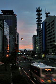 Early morning in Kobe, Japan 神戸の朝焼け