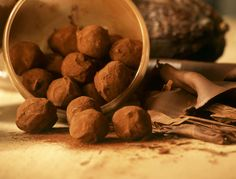 The real recipe for truffles from Jean-Paul Hévin: discover the cooking recipes of Femme Actuelle Le MAG - With the readers of Femme Actuelle, discover the cooking recipes of internet users: The real recipe - Sicilian Recipes, Greek Recipes, Dog Food Recipes, Snack Recipes, Cooking Recipes, Chocolate Truffles, Chocolate Desserts, Fun Desserts, Easy Snacks