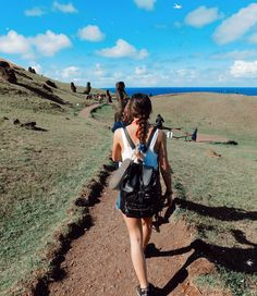 Visit Chile, Easter Island, Poses, Ig Story, Life Goals, Picture Ideas, Art Photography, Places To Visit, Photoshoot