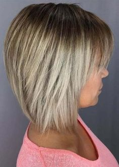 Find here the latest styles of bob haircuts for women and girls. The modern ideas of graduated bob haircuts are really fantastic choice for every fashionable and bold lady. So, this will be really amazing idea for you to try these best graduated bob looks Graduated Bob Hairstyles, Modern Bob Hairstyles, Bob Haircut For Fine Hair, Bob Hairstyles For Fine Hair, Medium Hair Styles, Short Hair Styles, Bob Haircuts For Women, 2017 Hair Trends Haircuts Medium, Medium Bob Haircuts