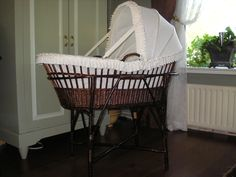 Dutch country cradle