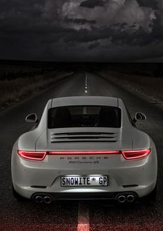Porsche 911 Carrera 4S. Full