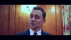 Tom Hiddleston wins ELLE Man Of The Year 2014.  Why can he and Benedict Cumberbatch never do serious award acceptance videos?