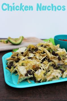 These chicken nachos are kid friendly, easy to make and DELISH!  FosterFarmsFresh AD