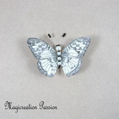 Magnet décoratif papillon soie blanche +1 aimant , collection gallia - Un grand marché Moth, Insects, Montage, Dimensions, Magnets, Animals, Boutique, Collection, White Silk