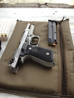 Beretta 92FS - www.Rgrips.com