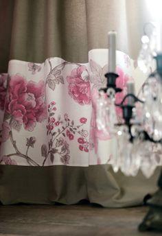 Collection STRADA. Shabby Chic, brocante,  souvenir, élégance, fleurs, nature, beige, rose, taupe, rideaux
