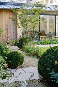 Back Garden Design, Garden Design Plans, Courtyard Landscaping, Evergreen Garden, Gravel Garden, Farmhouse Garden, Natural Garden, Garden Spaces, Loire