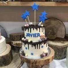 tarta buttercream chocolate blanco y dripp de chocolate negro deco equipo de fútbol
