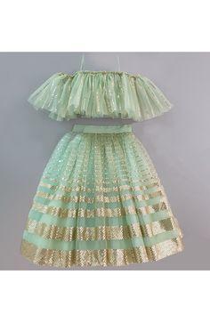 Girls Frock Design, Kids Frocks Design, Baby Frocks Designs, Kids Lehanga Design, Indian Dresses For Kids, Stylish Dresses For Girls, Little Girl Dresses, Traditional Dresses For Kids, Baby Girl Lehenga