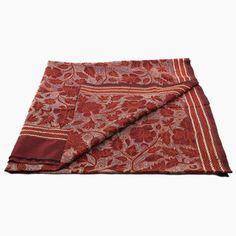 Chpale en soie brodé main (kantha) en vente chez Urban Masala