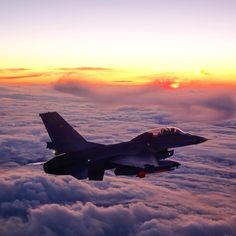 Fighter Aircraft, Fighter Jets, F 16 Falcon, Military Jets, Die Hard, Single Image, Military History, Planes, Air Force