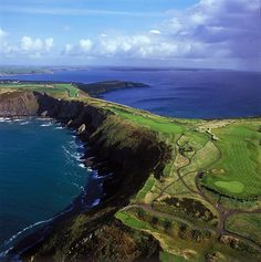 Old Head Golf Links. Kinsale, Ireland Public Golf Courses, Best Golf Courses, Route 66, Costa, West Coast Of Ireland, Old Head, Golf Photography, Belfast, Places To See