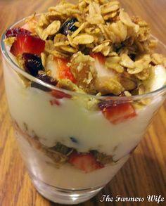Breakfast Parfaits:  A healthy recipe to kickstart your morning!