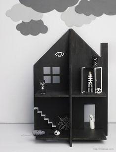 Haunted dolls house