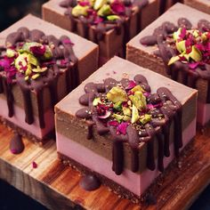 - I Cook Different Raw Vegan Desserts, Fancy Desserts, Raw Food Recipes, Just Desserts, Sweet Recipes, Delicious Desserts, Dessert Recipes, Yummy Food, Raw Cheesecake