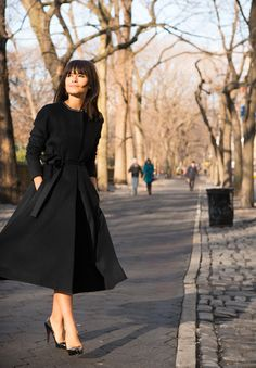 Miroslava Duma all black #style #fashion #fall #coat