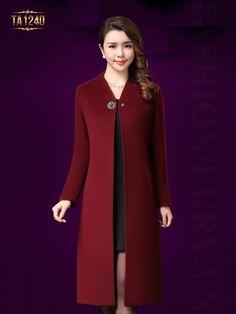 Abaya Fashion, Fashion Wear, Fashion Dresses, Coats For Women, Clothes For Women, Winter Coats Women, Iranian Women Fashion, Casual Blazer Women, Vetement Fashion