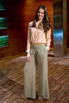 Eva González - Blog 'Las Tentaciones de Eva' 2012/2013 Pantalón y camisa de BDBA. Cinturón de Zara y anillo de Aristocrazy. http://las-tentaciones-de-eva.blogs.elle.es/2013/05/28/masculino-chic/