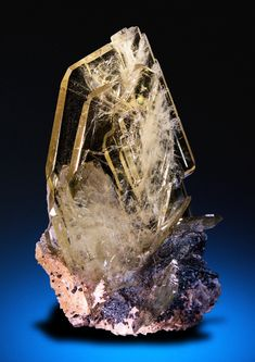 (Barite) this is actually really pretty and I'm pinning this for inspiration for a future oc maybw
