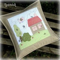 Applique Cushions, Patchwork Cushion, Sewing Pillows, Quilted Pillow, Applique Quilts, Patchwork Quilting, Mini Quilts, Small Quilts, Applique Patterns