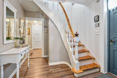 Gang Stairs, Home Decor, Stairway, Decoration Home, Room Decor, Staircases, Home Interior Design, Ladders, Home Decoration
