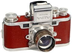 Alpa Reflex (II), 1945 Beautiful Camera!