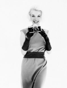 JAMM to Host Exhibition of Bert Sterns Photographs of Marilyn Monroe in Dubai > March 18- April 18 | Oasis Unedited