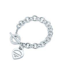 047288eefc23 Heart Tag Toggle Bracelet. EstiloModaPlayasPulsera TobilleraTobilleras Pulseras ...