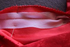 Prevent Bias-Fold Neckline Edges from Stretching - Threads