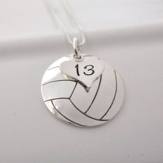 Volleyball Workouts Discover Hand-Stamped Volleyball Necklace with Heart Charm stamped with Number Volleyball Tattoos, Volleyball Memes, Volleyball Workouts, Volleyball Pictures, Diy Volleyball Gifts, Volleyball Outfits, Volleyball Party, Beach Volleyball, Volleyball Accessories