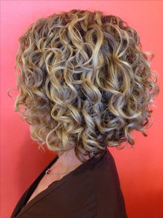 Robin Sjoblom for Southern Curl Atlanta. Short Permed Hair, Short Curls, Short Hair Cuts, Permed Hairstyles, Curly Bob Hairstyles, Pretty Hairstyles, Curly Hair Tips, Wavy Hair, Curly Hair Styles