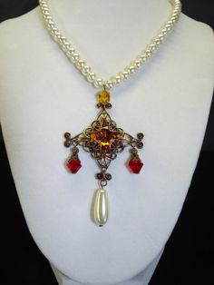 Queen Elizabeth I Rainbow Portrait Replica Pearl and Antique Gold Cross Necklace Reproduction.