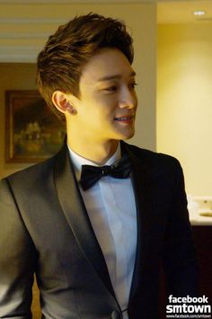 Chen Looks so Handsome here :)) #exo #chen