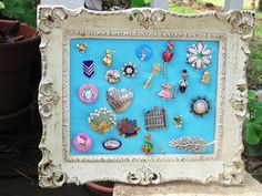 Vintage pin/brooch display - JEWELRY AND TRINKETS