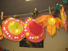 lampion appels en herfstblaadje Lanterns, Crochet Earrings, Crafts For Kids, Autumn, Slg, Teaching Ideas, School, Paper Lanterns, Bricolage