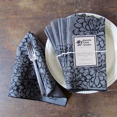 Linen Napkins - Screen Printed Floral Linen Napkin/Placemat in Grey + Black, Sets of 2, 4, or 8, Botanical Napkins, Hostess Gift, Zinnia