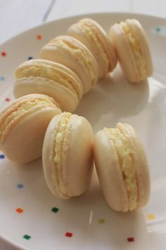 Sugarlicious: Lemon Macaron - Pierre Hermes Recipe 檸檬馬卡龍