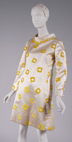 Dress James Galanos, 1969 The Philadelphia Museum of Art 60s Vintage Clothing, Vintage Dresses 1960s, Vintage Outfits, Ringo Starr, 1960s Fashion, Vintage Fashion, Hollywood Costume, 1960s Outfits, Fashion History