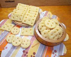 Sajtos kréker Waffles, Bread, Breakfast, Food, Kitchen, Morning Coffee, Cooking, Eten, Kitchens