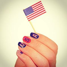 Easy and Cute of July Nail Designs Images, Pictures, Stickers. of July Nail Design HD Images, Pictures and best and easy nail art design. Nail Art Designs, Simple Nail Designs, Fingernail Designs, Nails Design, 4th Of July Nails Diy, Usa Nails, Patriotic Nails, Nailart, Manicure And Pedicure